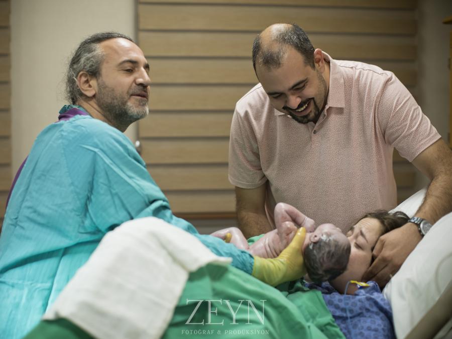 luna bebek doğum fotoğrafçısı